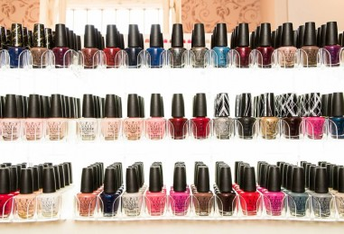 Новое место: Nail Boutique OPI в Сароне